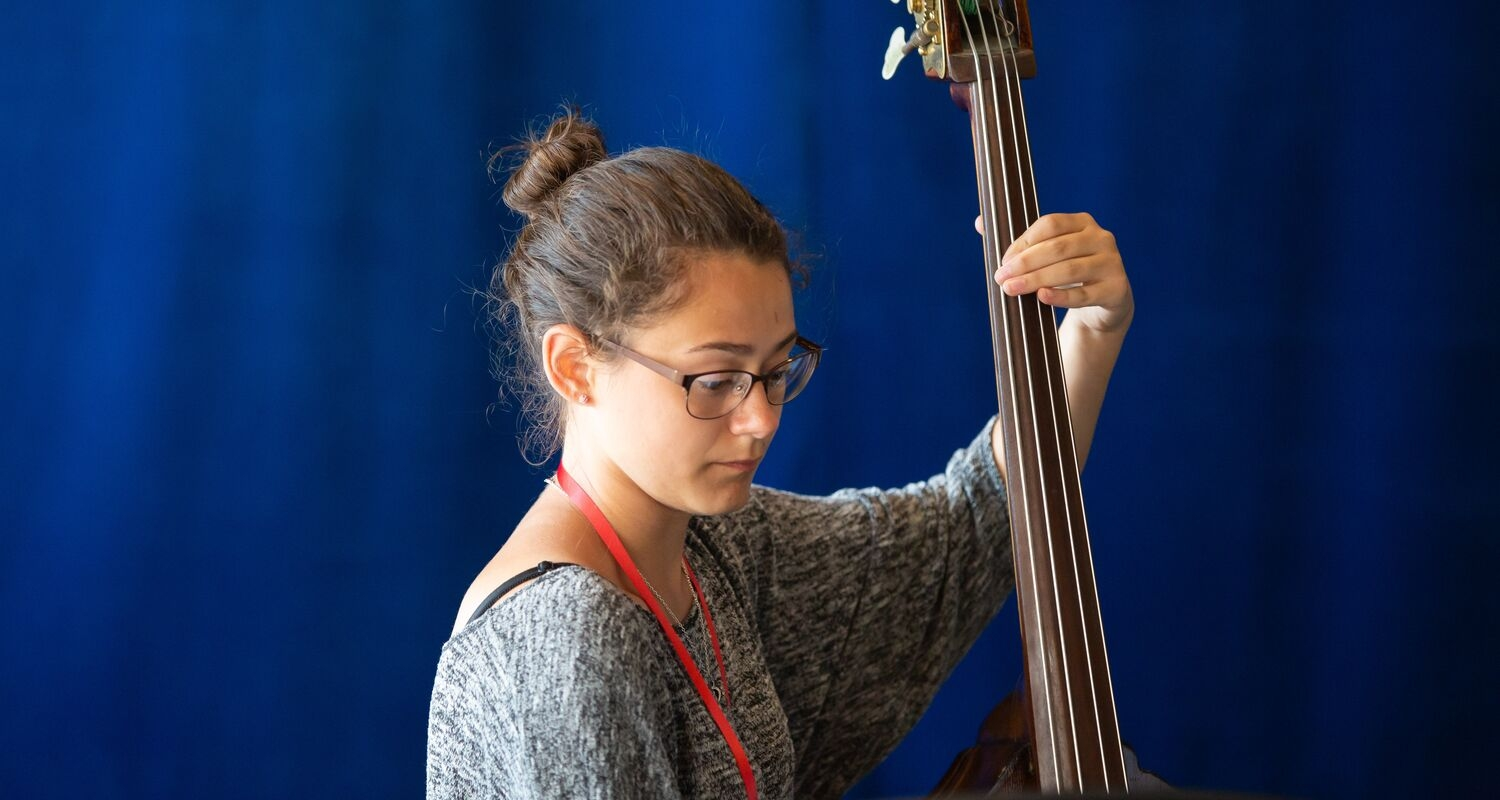 Uarts student performs with an upright bass