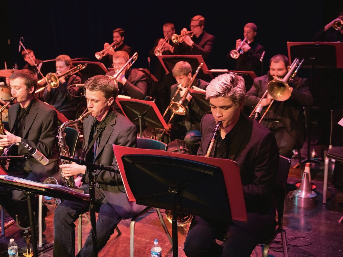 The Z Big Band performs.